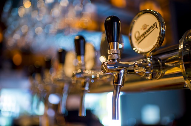 Te damos las mejores ideas para decorar un bar de copas