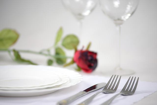 ¿Cómo decorar un restaurante en San Valentín?