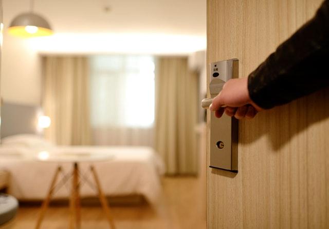 ¿Qué hay que tener en cuenta en el diseño de la recepción de un hotel?
