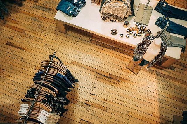 ¿Cómo distribuir el espacio de tu tienda de ropa correctamente e impactar a tus clientes?